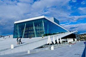800px_Oslo_opera_house
