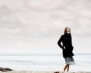 Mel Parsons: Over My Shoulder (Cape Road)