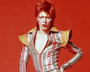 GUEST WRITER LISA PERROTT on David Bowie, gender trangression and drag