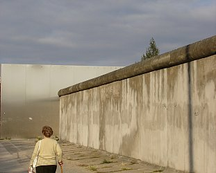 BERLIN AND THE BICKERING KOREAS (2004): A Tale of Two Walls