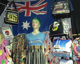 Melbourne, Australia: Alt.shopping tips for those who don't shop, but buy