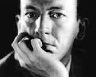 Noel Coward: Mad Dogs and Englishmen (1932)