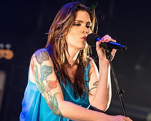 BETH HART INTERVIEWED (2000): Stories to sell and tell