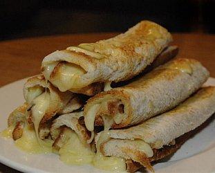 Dee's classic Kiwi cheese rolls