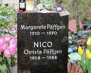 The Inhalers: Nico on a Bike (1990)