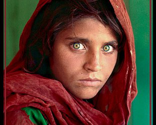 STEVE McCURRY PHOTOGRAPHER INTERVIEWED: Portraits of the diverse, damaged world