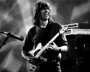 MIKE STERN INTERVIEWED (2013): Guitar to the stars . . . and Miles beyond