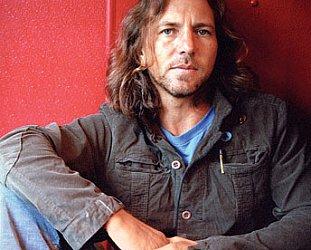 EDDIE VEDDER OF PEARL JAM INTERVIEWED IN SEATTLE (2002): Reading their Riot Act