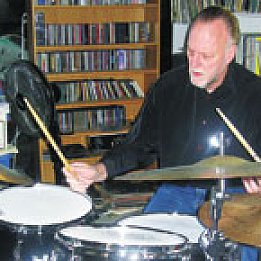 FRANK GIBSON PROFILED (2008): Long Distance Drummer