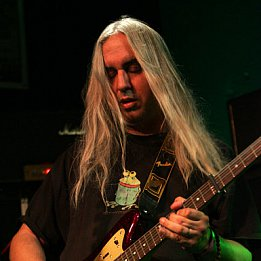 J. MASCIS INTERVIEWED, AND CONCERT REVIEW (2003): No time for talking