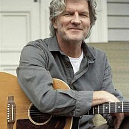 TIM FINN, A TIMELINE (2009): A solo, and sometimes solitary, man