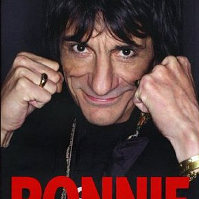 RONNIE, an autobiography by RONNIE WOOD