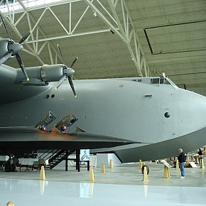 McMinnville, Oregon: Howard Hughes' Spruce Goose folly