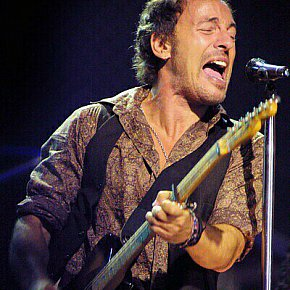 BRUCE SPRINGSTEEN LIVE IN SYDNEY (2003): Normal transmission will be resumed shortly
