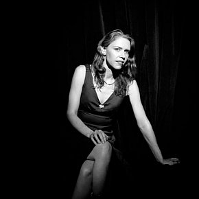 GILLIAN WELCH INTERVIEWED (2004): That ol' time contemporary music