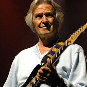 JOHN McLAUGHLIN INTERVIEWED (2009): Has guitars, will travel