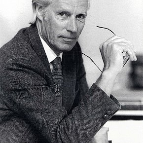 SIR GEORGE MARTIN INTERVIEWED (1998): The retiring knight of the round vinyl