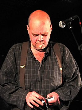 DAVID THOMAS OF PERE UBU INTERVIEWED (2016): Walking with noise and ghosts