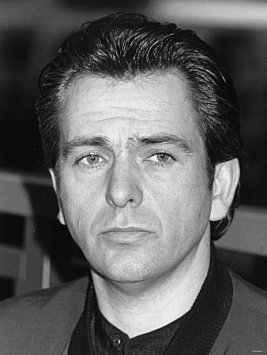 PETER GABRIEL, THE SOLO FLIGHT 1985-2011: Into another world