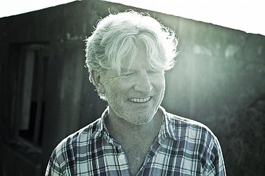 THE FAMOUS ELSEWHERE QUESTIONNAIRE: Tim Finn