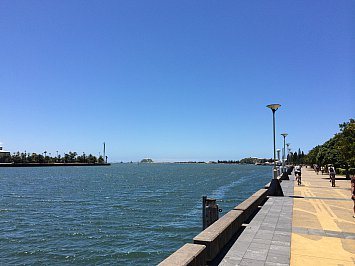 Newcastle, Australia: Walking on sunshine