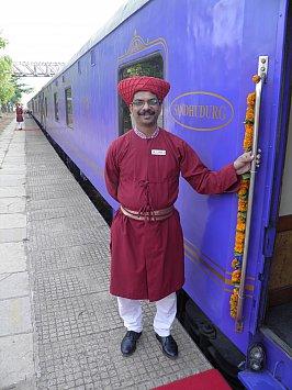 Maharashtra state, India: Riding the rail