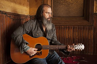 STEVE EARLE INTERVIEWED (2013): Observations from the low road