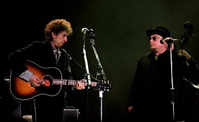Bob Dylan and Van Morrison: Knocking on Heaven's Door (live 1998)