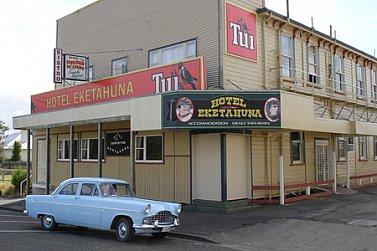 East Coast, North Island of New Zealand: Hawkes Bay the long way