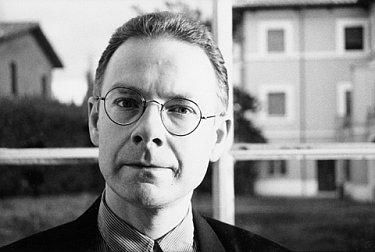 ROBERT FRIPP INTERVIEWED (1990): The economic man at work