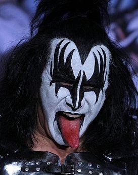 THE ROCK AND ROLL HALL OF  . . . (2014): Kiss pokes tongue at honour? No!